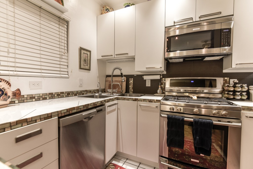 Click to view more images for  Apartment id 2356030